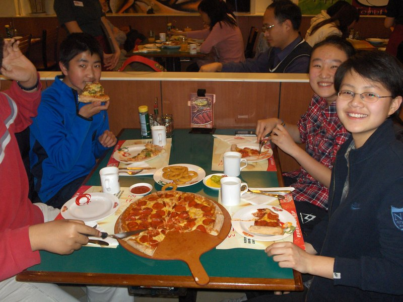 Fun_and_pizza_and_ktv_050